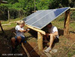 Kit solaire avec batterie pour maison de cultivateur isolée dans la montagne