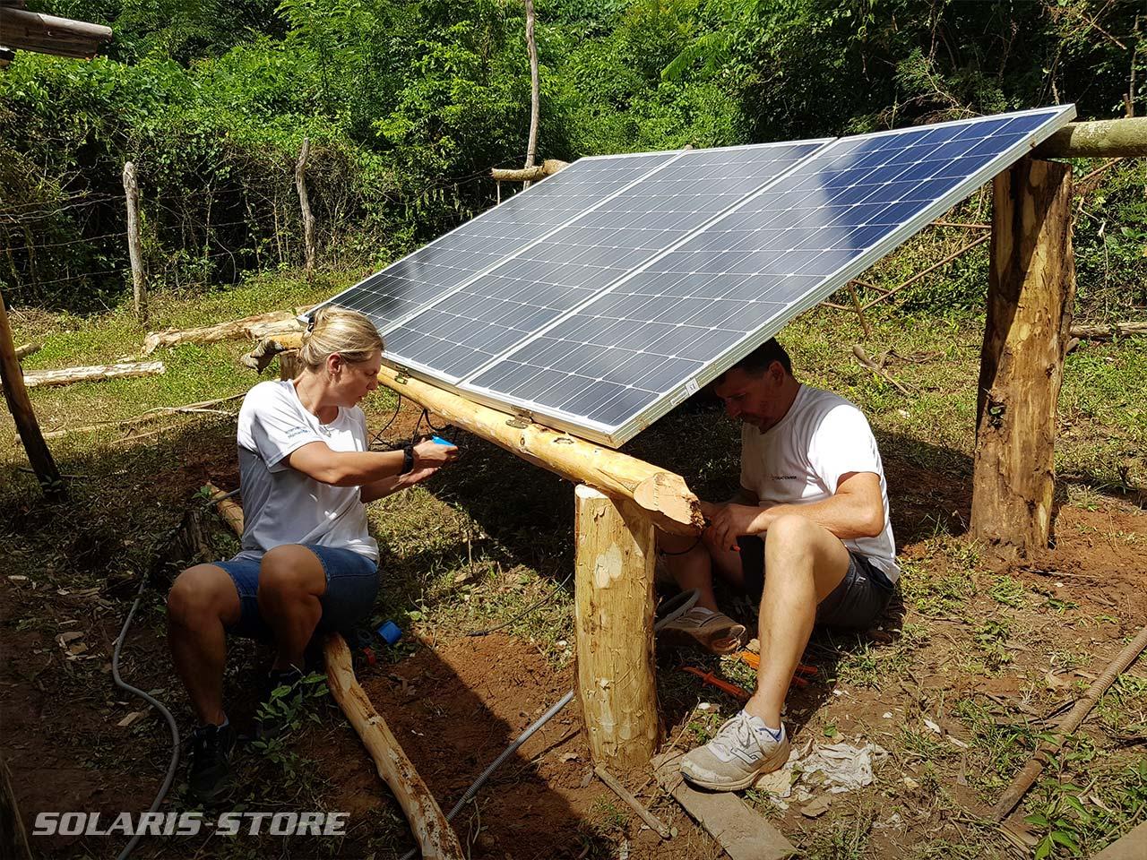 Câblage d'un kit solaire pour une maison de cultivateur à Cuba