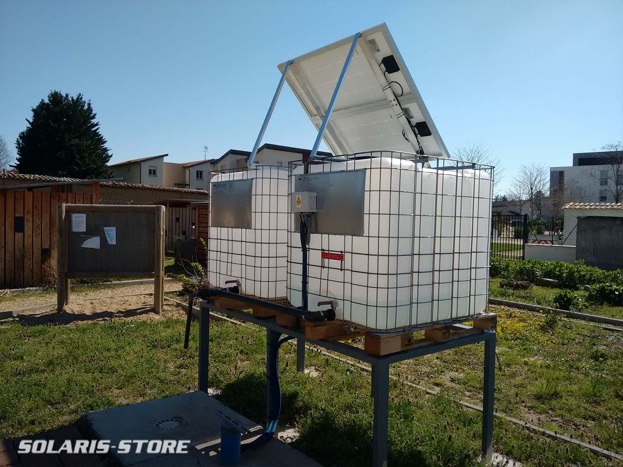 Stockage d'eau pompé par énergie solaire