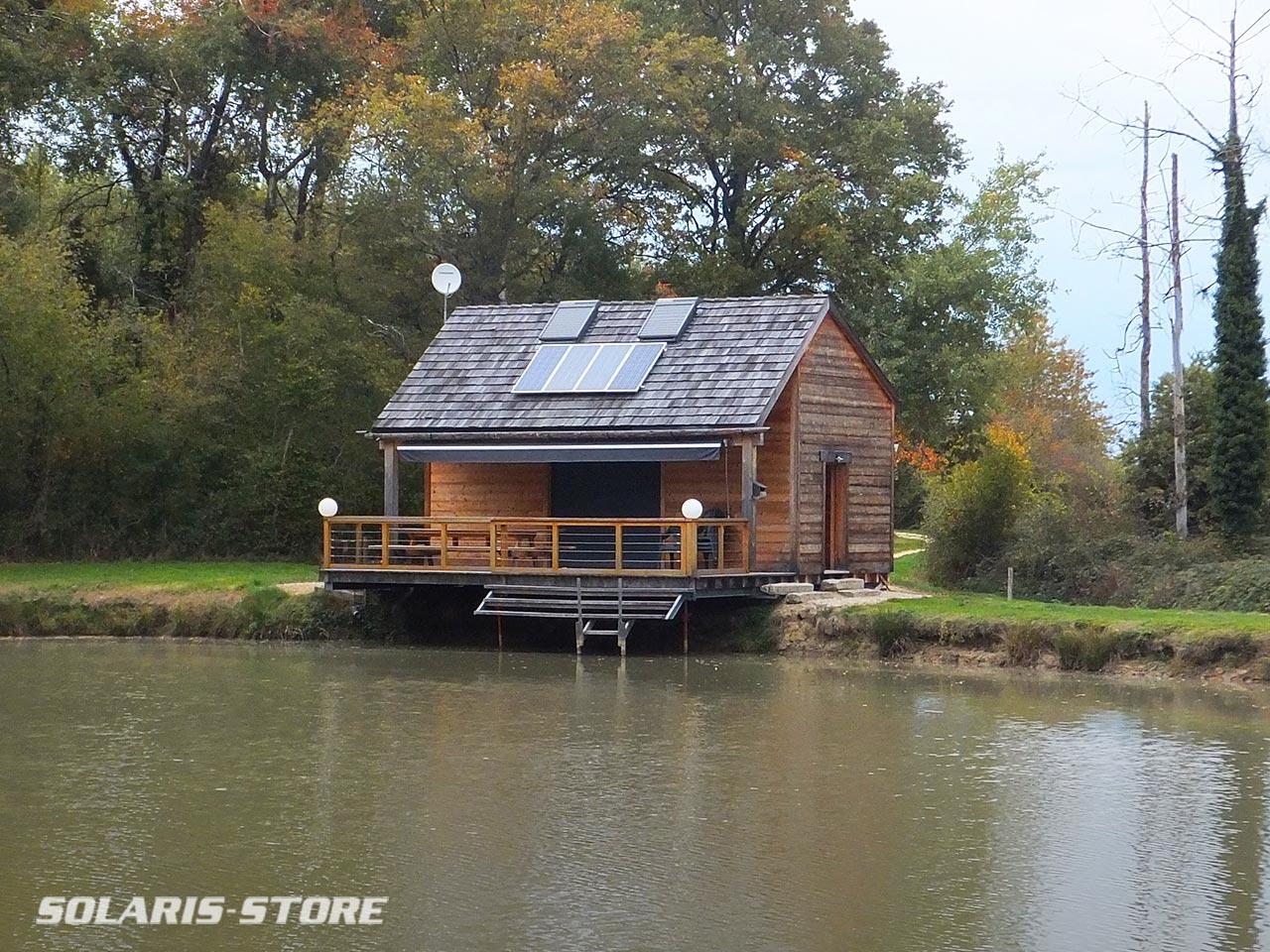 Kit solaire 1000W avec onduleur 230V pour alimenter en électricité une maison de campagne