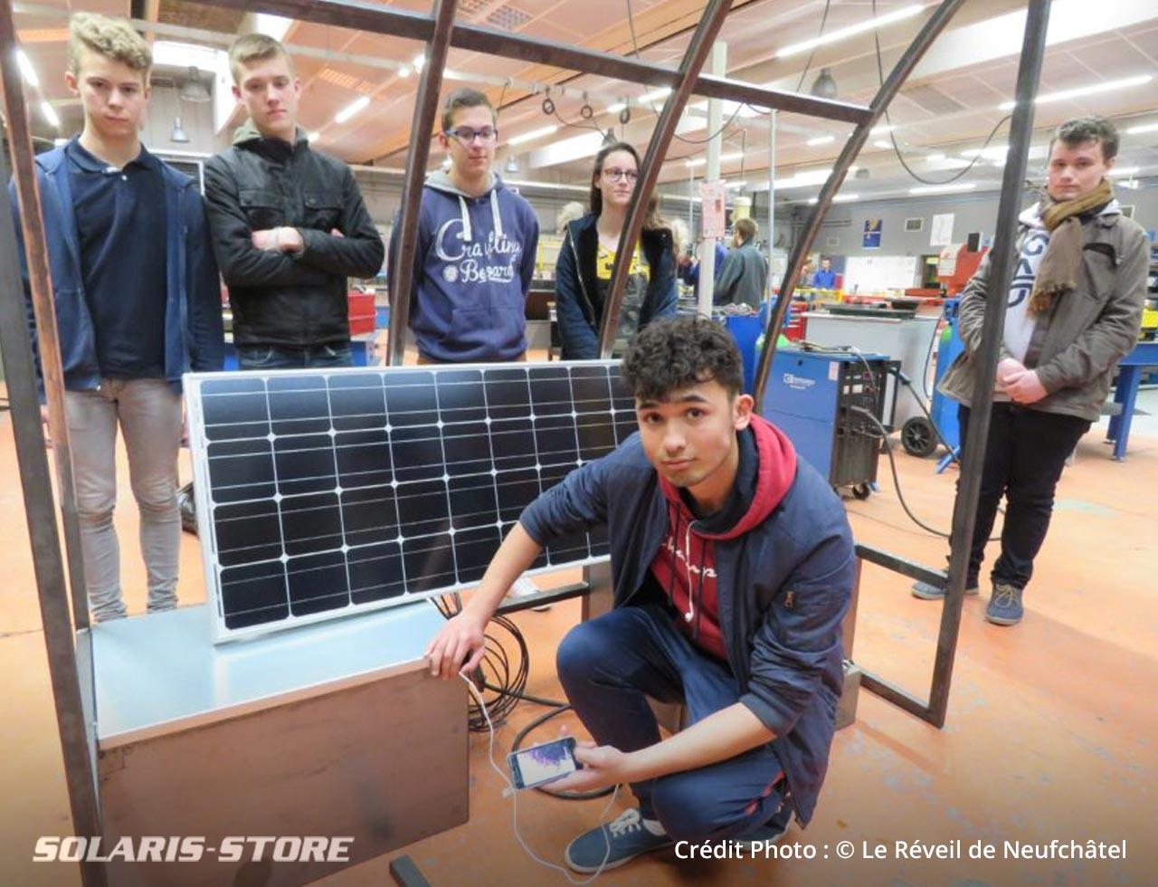 Banc station de recharge solaire pour téléphone