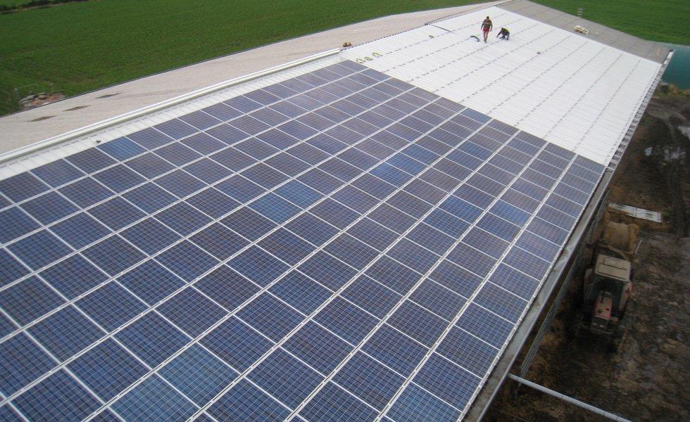 Centrale solaire à Crans (01, Ain)