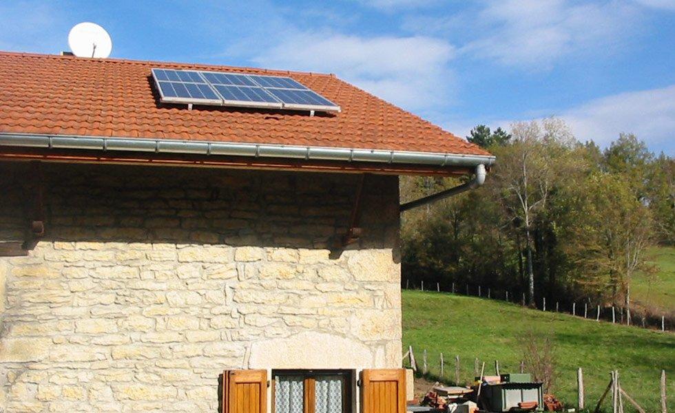 Kit solaire autonome installé en toiture