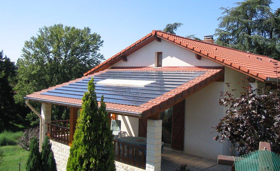 Integration de tuiles solaire IMERYS en toiture à St Paul en Jarez (42, Loire)
