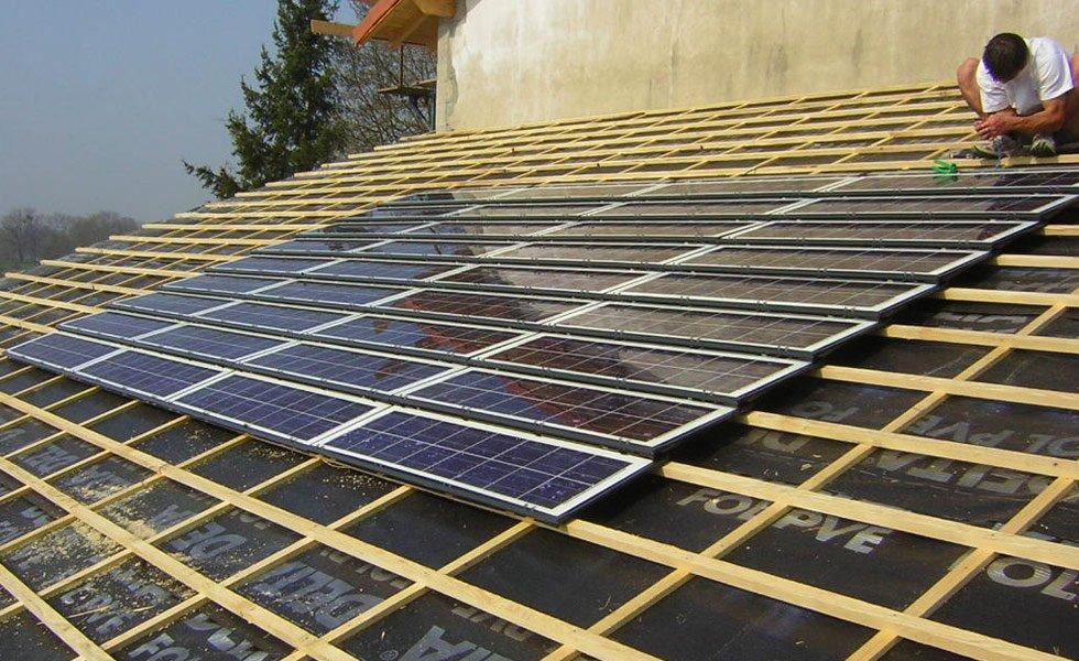 Installation de tuiles solaires à Attignat (01, Ain)
