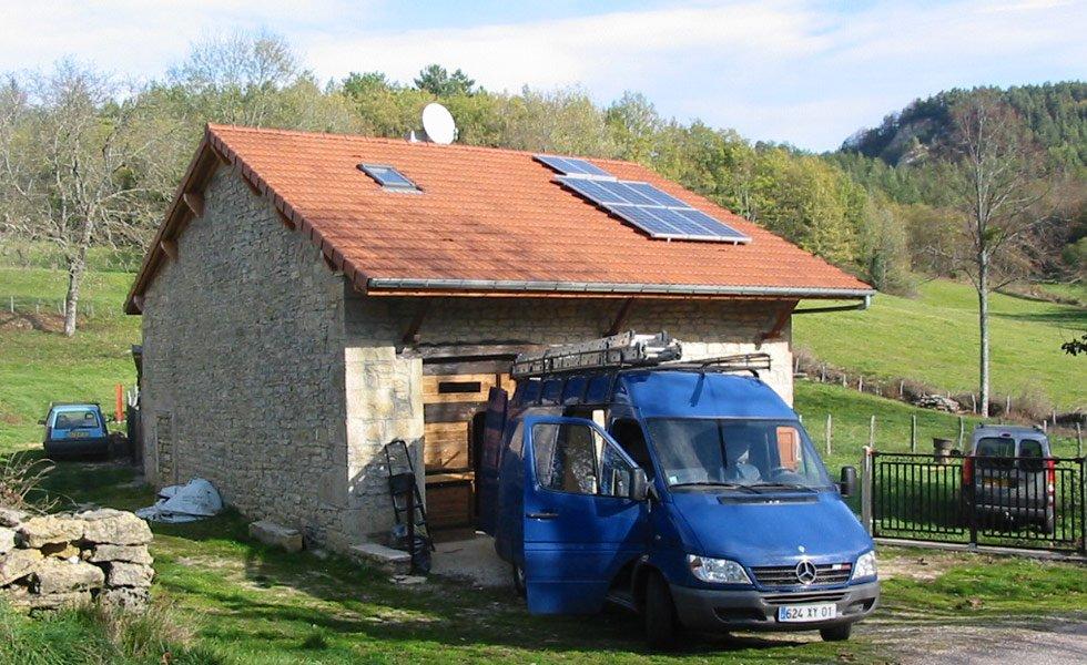 Installation solaire autonome pour habitation secondaire à Arandas (01, Ain)