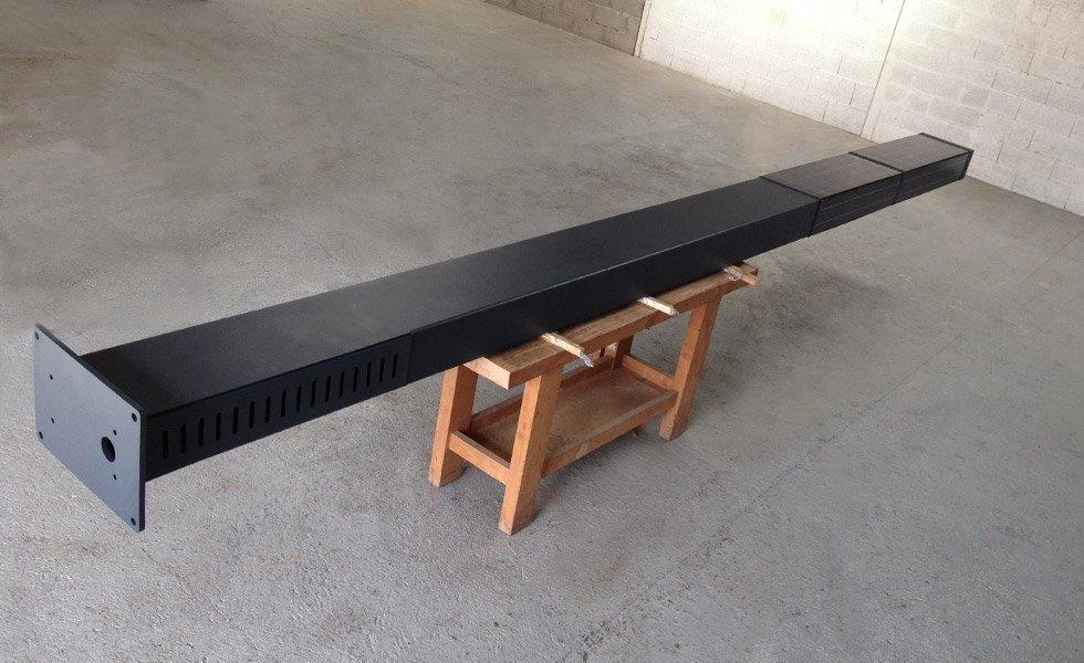 Préparation d'un totem XL 270Wc dans nos ateliers pour l'export