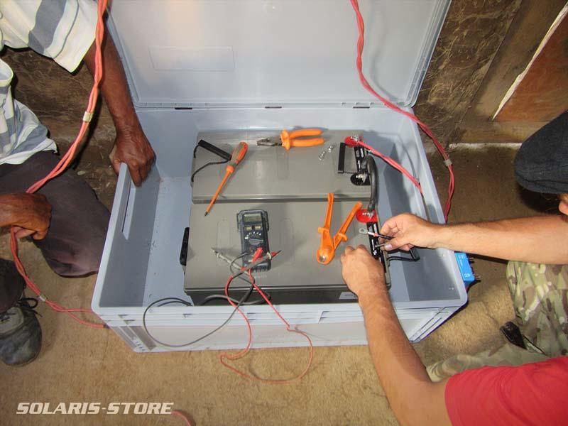 Câblage d'une batterie de kit solaire Off Grid à Cuba