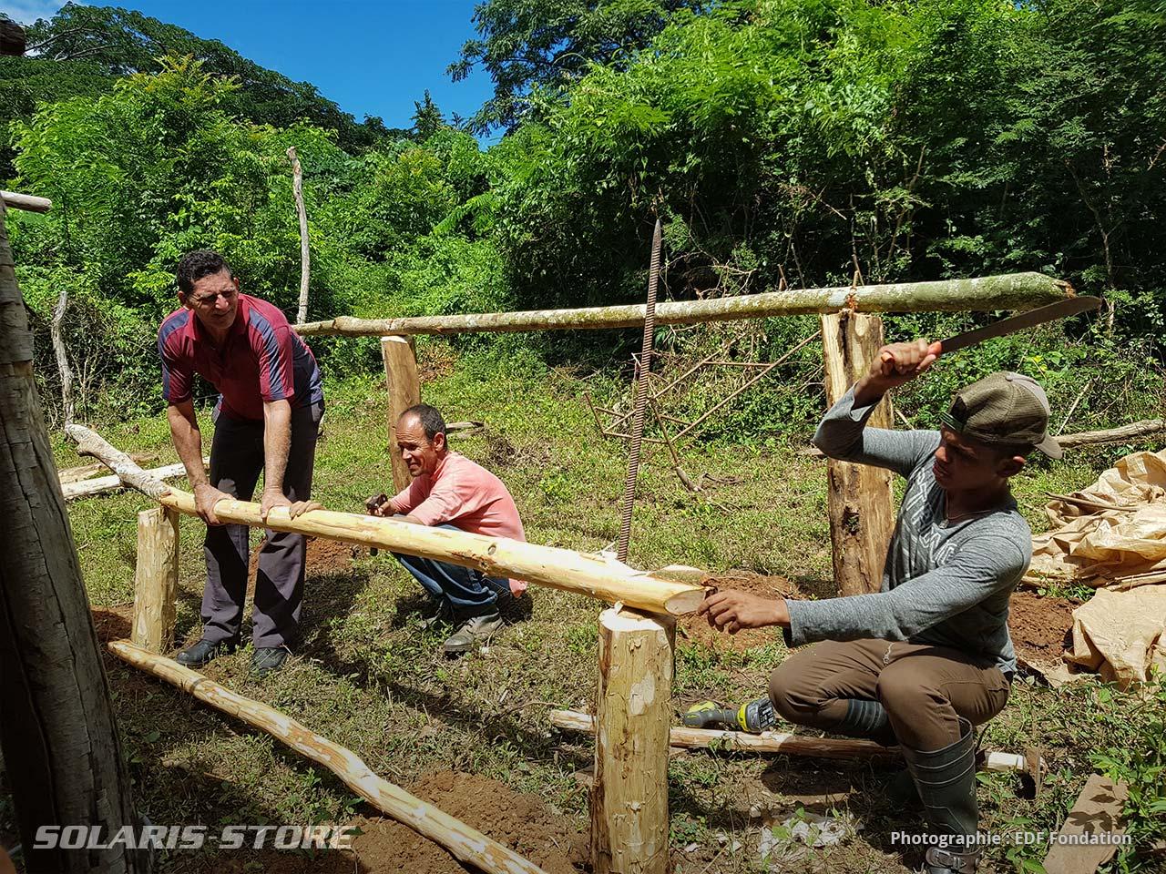 Construction d'une structure de pose pour panneau solaire en bois