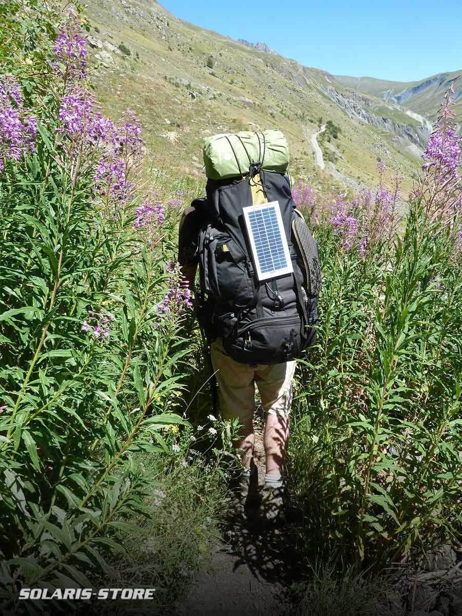 Panneau solaire pour randonneur et marcheur