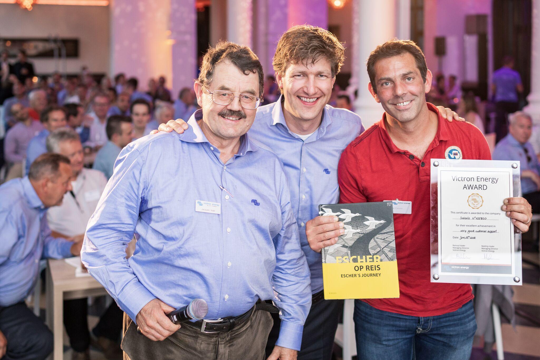 Solaris recoit un prix victron au salon intersolar 2018